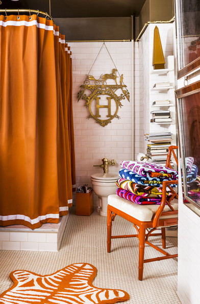 Jonathan Adler and Simon Doonan's Bathroom from Lonny Mag