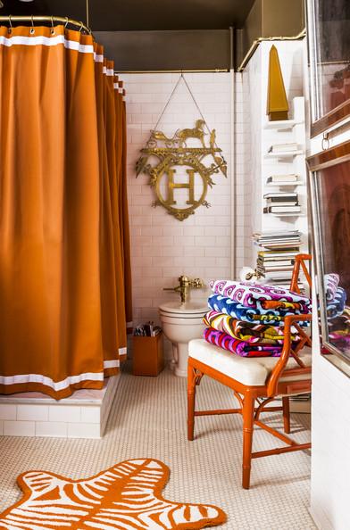 Jonathan Adler and Simon Doonan's Bathroom from Lonny Mag